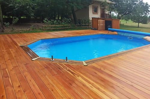 dreveny-bazen-pacific-paradise-abatec